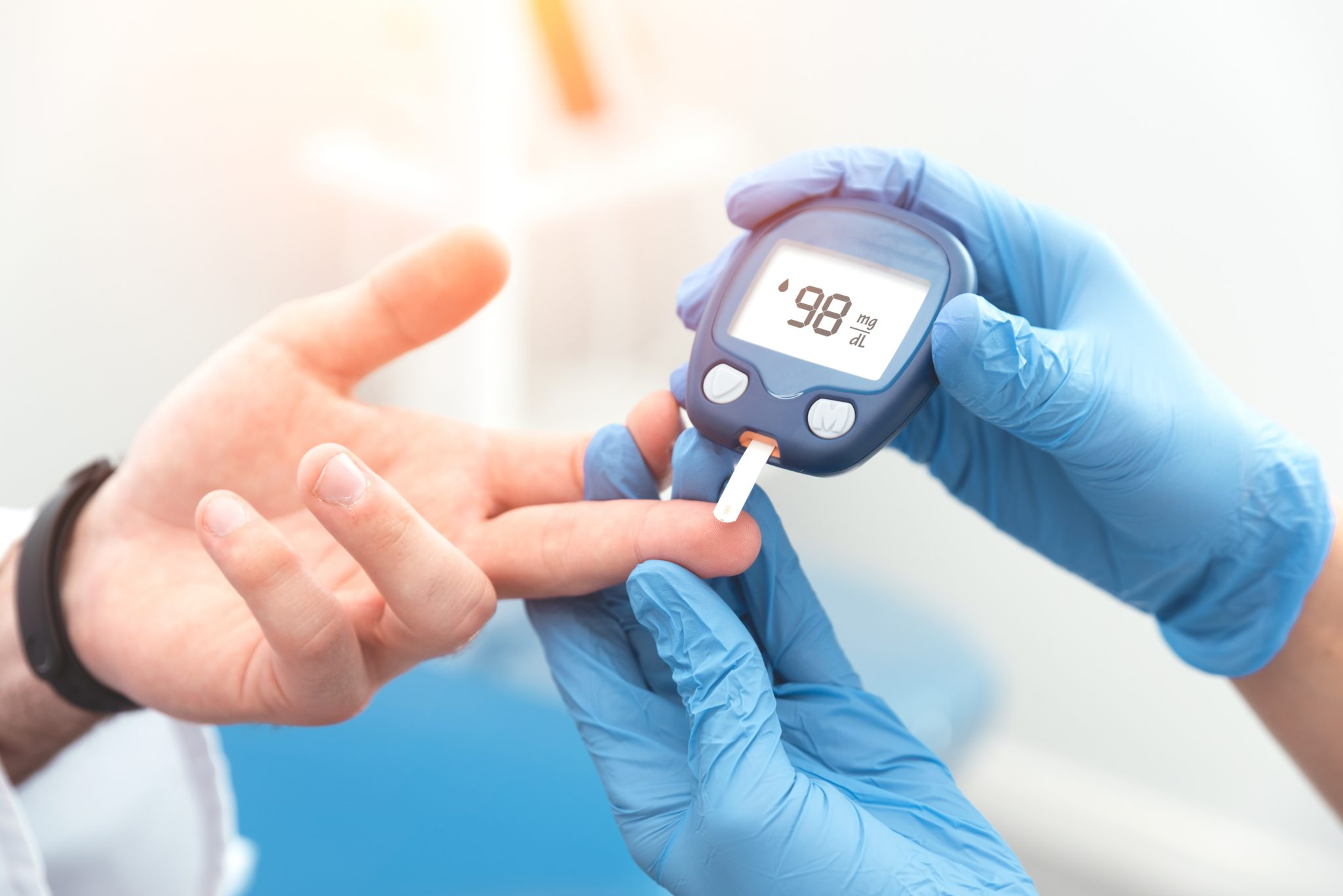 check blood sugar with glucometer